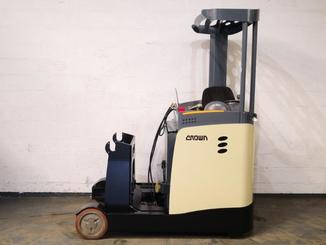 Carrelli retrattili Crown ESR5000 - 2